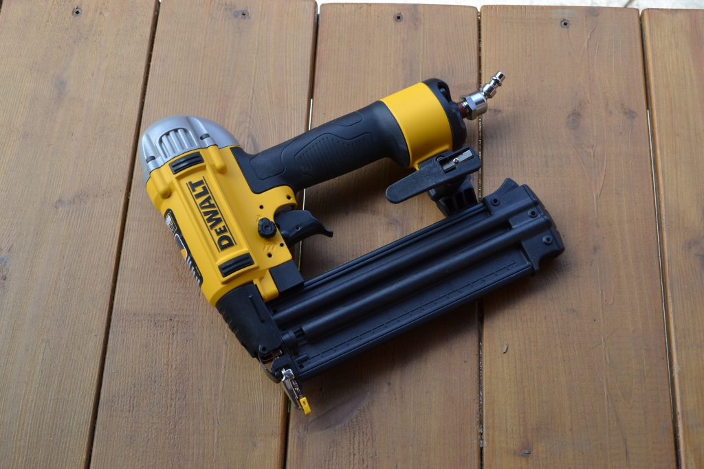brad nailer vs finishing nailer