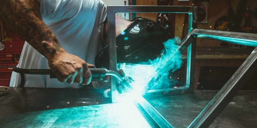 carbon steel vs alloy steel