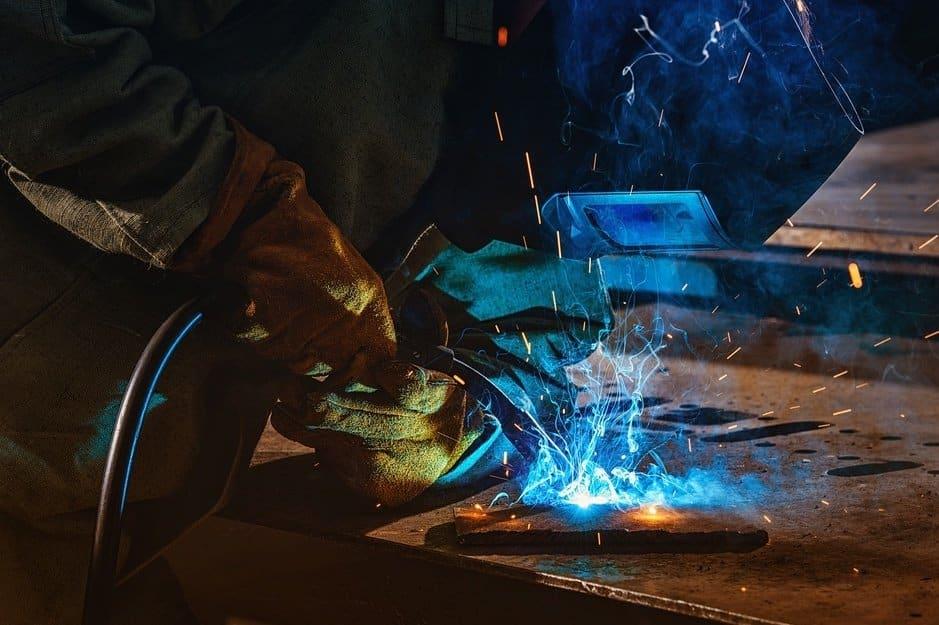 minimize welding spatter