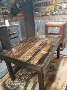 wood-pallet-dining-room-table