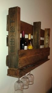wood-pallet-wine-glass-holder